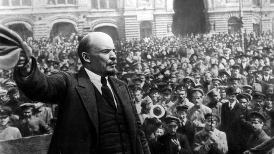 How Vladimir Lenin Took Russia From Romanov Rule to Communist U.S.S.R.