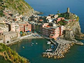 The Liguria wine region has some of the most glorious landscapes in all of Italy. See our collection of wine pictures.