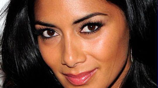 No Tweens Allowed! Lip Gloss Tips for Grown Women