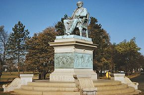 Bridgeport, Connecticut, has memorialized Barnum, its former mayor with a statue.