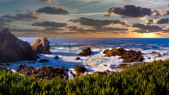 8 Pretty Awesome Facts About the Pacific Ocean