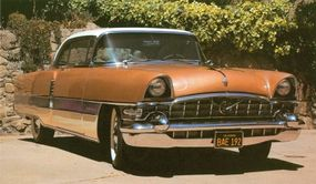 The 1956 Four Hundred (shown) and Patrician had a 374-cubic-inch, 290-horsepower V-8.