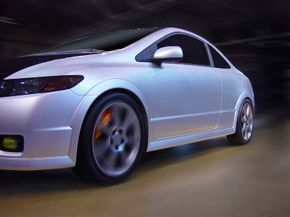 Painting your brake calipers a different color can really jazz up your car and set it apart from all the others.