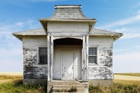 Could a coat of paint turn that dilapidated country house into the mod farmhouse you dream about?