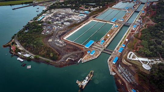 How the Panama Canal Makes Water Flow Uphill
