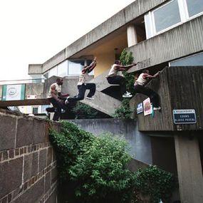 Sébastien Foucan completes a cat leap.