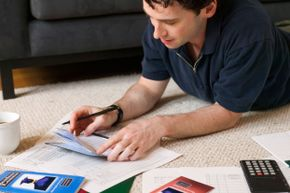 Get a firm handle on all of the info about your loans and payment schedules right out of the gate.