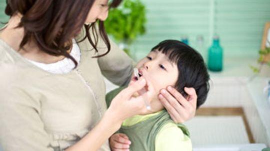 How to Get Plaque off Children's Teeth