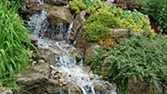 5 Amazing Backyard Waterfalls