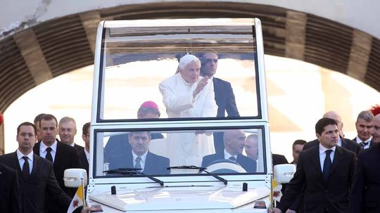 How the Popemobile Works