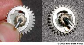 Centrifugal clutch on the drive gear