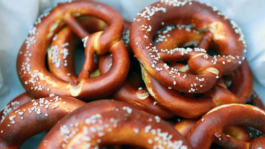 10 Totally Twisted Pretzel Facts