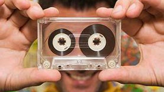 8 Great Projects to Reuse Old Cassette Tapes