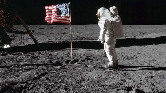"""""""一小步""""法案鼓励保护人类太空遗产""""border="""