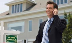 Your agent should be easily accessible on his cell phone and through e-mail.
