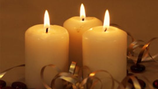 How does a candle work?