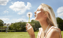 Help ease your allergy symptoms by taking a look at these tips on limiting pollen exposure.