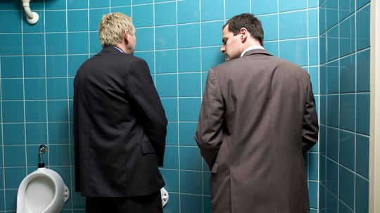 10 Restroom Etiquette Rules People Are Constantly Breaking