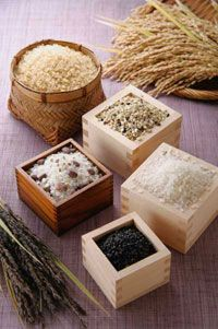 Different varieties of rice, like basmati and jasmine, offer enticing aromas and rich taste.
