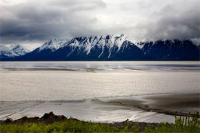 This is the kind of scenery that will be passing you by if you take a jaunt down Alaska's Seward Highway. Probably a nice switch from whatever daily scenery you're used to, no?