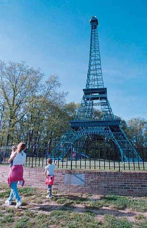 This Eiffel Tower Replica in Paris, Tennessee, was made out of Douglas fir, steel rods, and lots of volunteer labor.