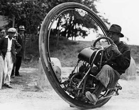 This Swiss motor wheel operated in a similar fashion to modern hubless wheels that are found on various concept vehicles. The outer wheel turns by the movement of a gear set in its interior.