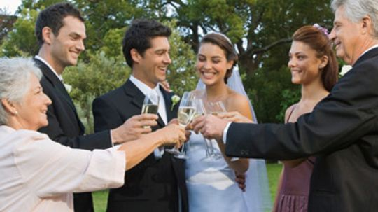 How to Stock the Bar for Your Wedding Reception