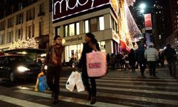 Despite what you may think, many department stores do accept seasonal returns.