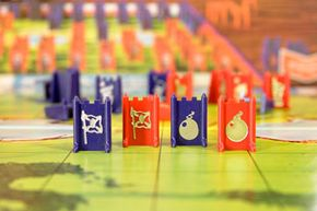 The bombs and flags cannot be moved once the game begins, so take special care with their placement.