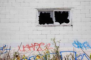 Researchers have found a link between the prevalence of graffiti and an increase in antisocial behavior.