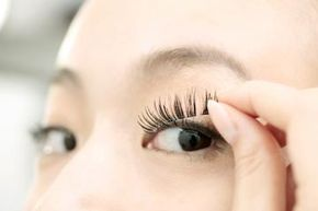 It's easy to apply false lashes.