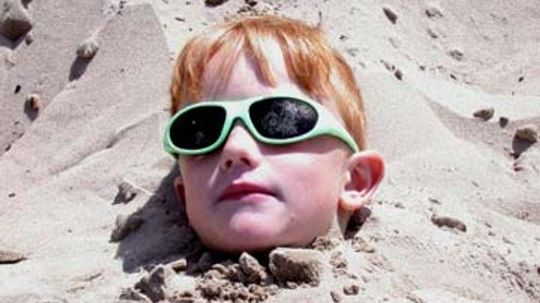 Can wearing sunglasses clog your pores?