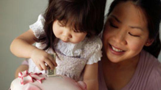 10 Ways to Become a Super Saving Mom