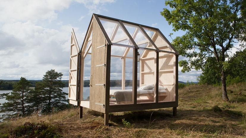 Would you spend three days camping in a relaxing cabin made of windows? Maja Flink/Visit Sweden