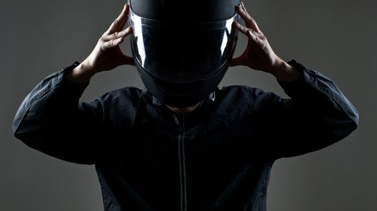 What's the safest type of motorcycle helmet?