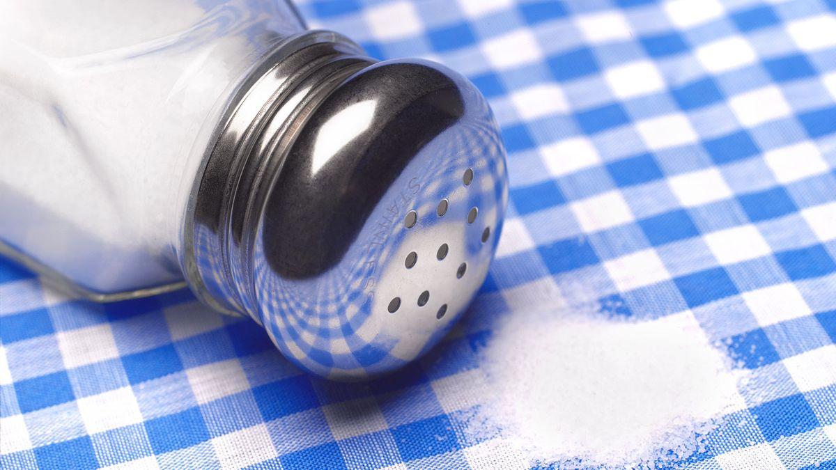 Uma simples troca de sal pode salvar milhares de vidas, talvez a sua