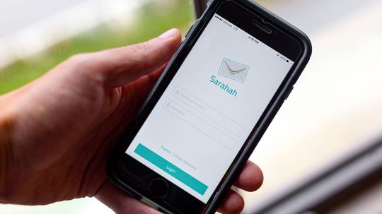 Messaging App Sarahah Wants You to Give Your Friends Anonymous Feedback
