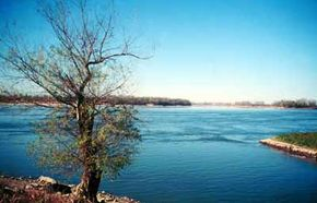Scenic river views are abundant on Great Rivers Scenic Route.