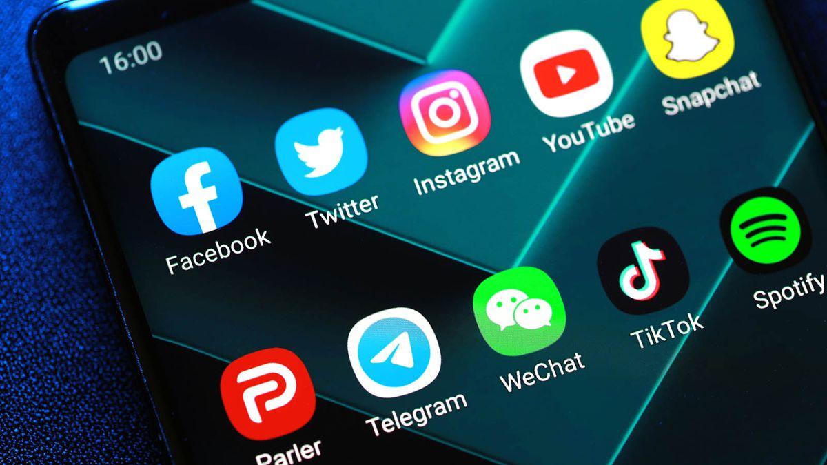 セクション230とは何ですか?ソーシャルメディア企業をどのように保護しますか?