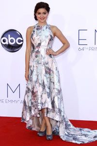 Modern Family's Ariel Winter shows the right way to wear a sequined dress -- with metallic shoes.