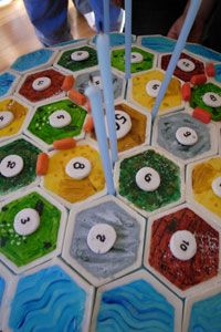 As this cake illustrates, Catan fans are pretty obsessive.