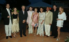 """At the Shoah """"Evening in the Hamptons"""" fundraiser, left to right: Jerry and Jessica Seinfeld, Steven Spielberg, Matthew Broderick, Sarah Jessica Parker, hosts Paola and Mickey Schulhof, Harry Connick, Jr. and Jill Connick"""