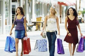 To avoid crowds, you might want to hit the mall in the morning and save the boutiques for the afternoon.