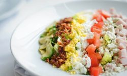 Cobb salads have all the California goodness in them.