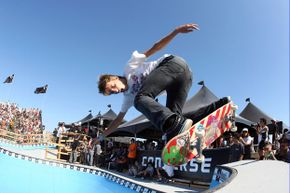 Aaron Homoki dazzles the crowd in the Converse Coastal Carnage Finals in Huntington Beach, Calif.