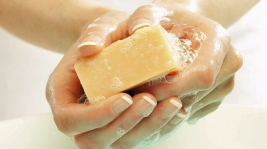 Top 5 Allergens in Soaps That Cause Dermatitis