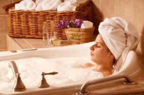 A nice, relaxing bath could result in wrinkly fingers and toes. But what causes this to happen?