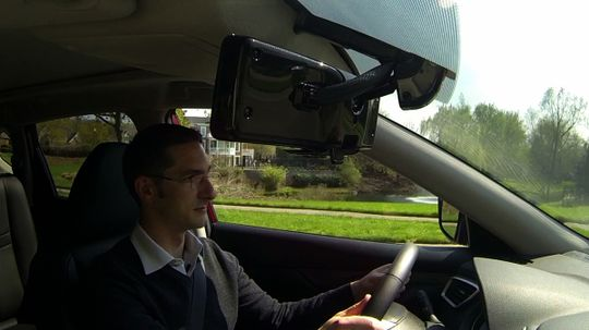 How Smart Rearview Mirrors Work