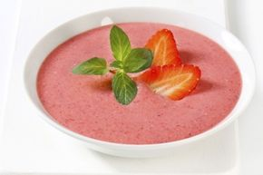 What's the difference between a smoothie in a glass and a smoothie in a bowl? The bowl offers up the opportunity for a heartier meal.