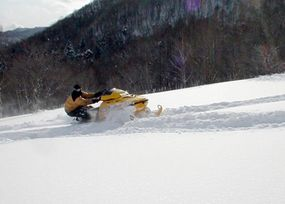 """When riding uphill in deep powder snow, the clutch system keeps the engine at maximum RPM without shifting into a higher """"gear."""""""